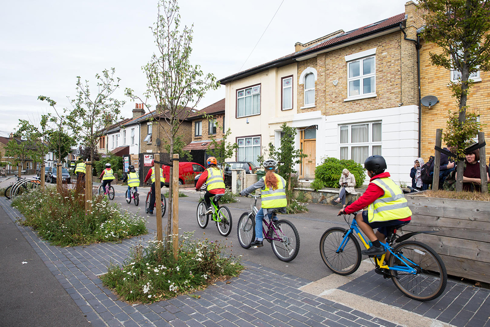 JF54N1 London, UK. 29th June, 2017. Cyclists pass through a closure in Grove Road installed in conjunction with the London Borough of Waltham Forest's Mini-Holland scheme and Enjoy Waltham Forest programme. Credit: Mark Kerrison/Alamy Live News