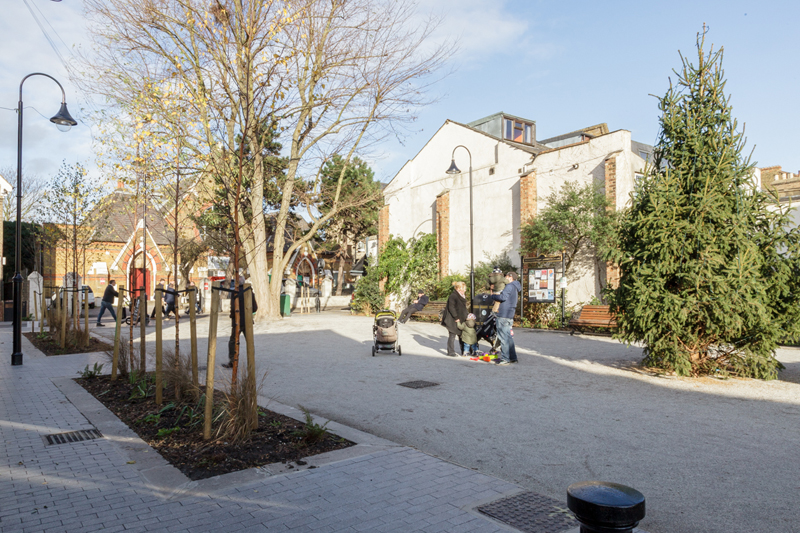 Orford_Road_village_square_2