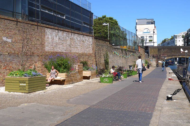 Regents Canal Towpath Garden