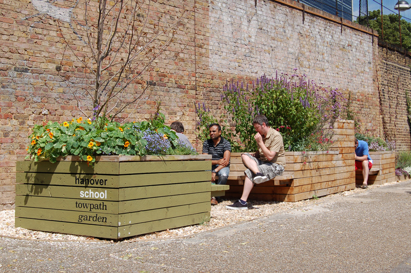 Regents Canal Towpath garden_2